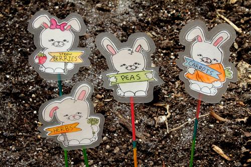 Bunny_garden_stakes