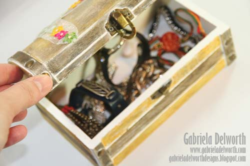 JEWELRY BOX OPEN by Gabriela Delworth