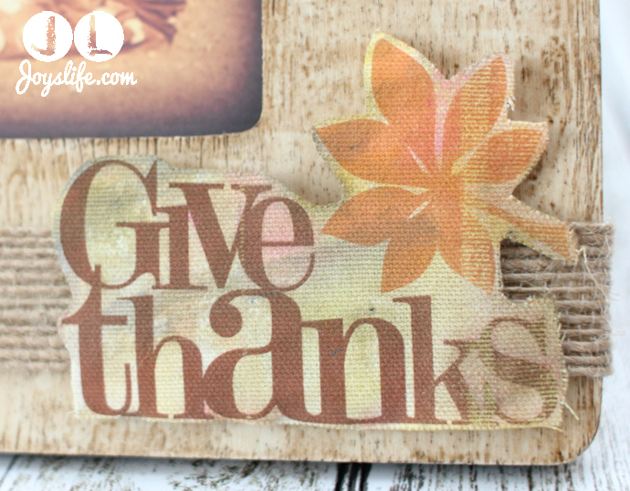 Give thanks close w