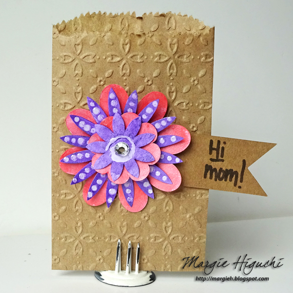 MargieHiguchi 600at250dpi HiMomPaperFlowerKitMiniBag Apr2016