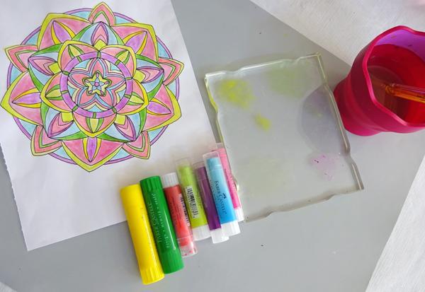 MargieHiguchi ColoringBkHomeDeco MAY16 Step1
